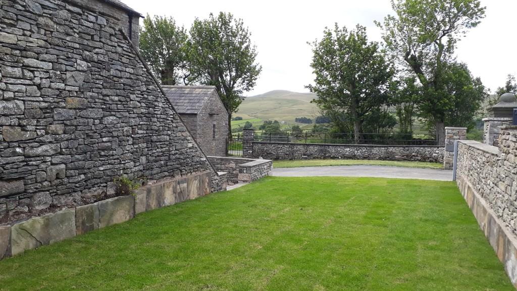 Hilltop Barn, Newbiggin-On-Lune - 0
