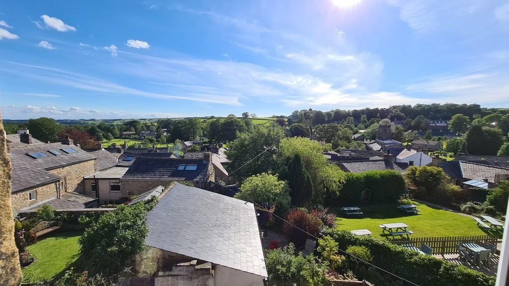 Hilltop, Belle Hill, Giggleswick - 0