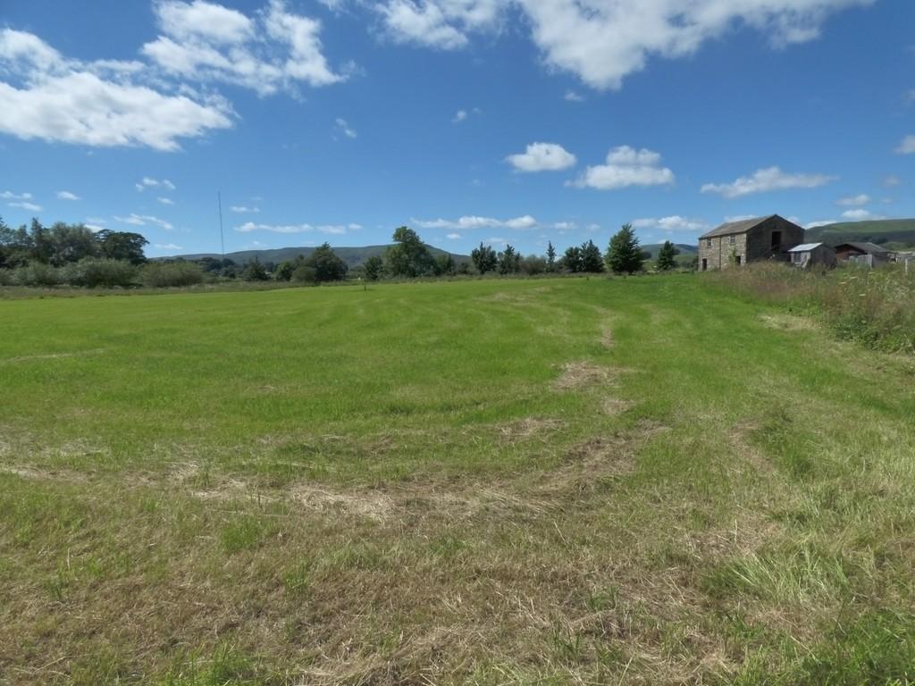 Land and Barn at Haylands, Hawes - 0