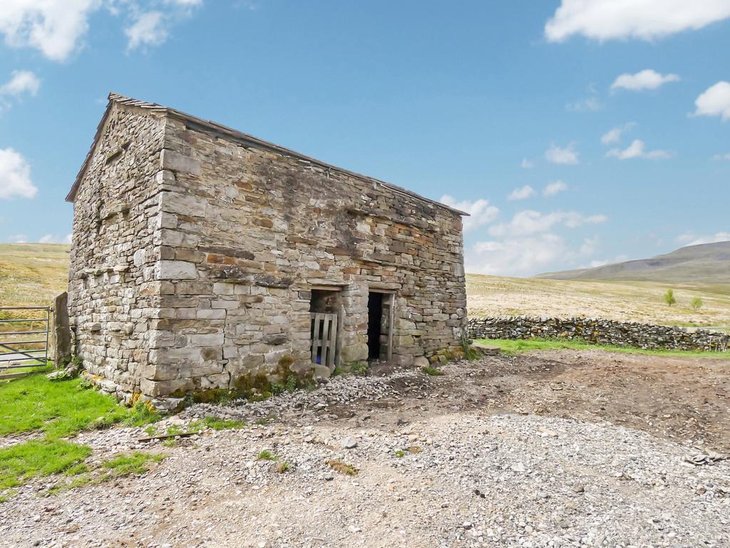 Smithy Gill Barn & Land, Mallerstang - 0