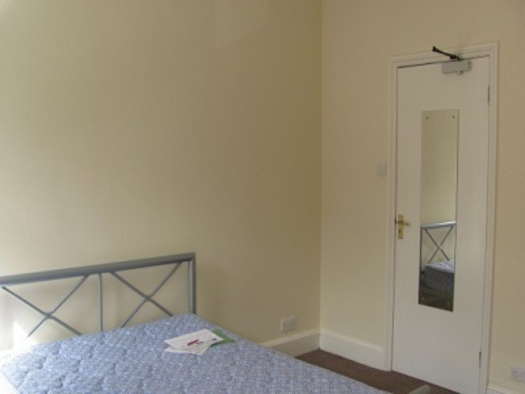 Student property on Claremont Terrace, Gillygate - image 03