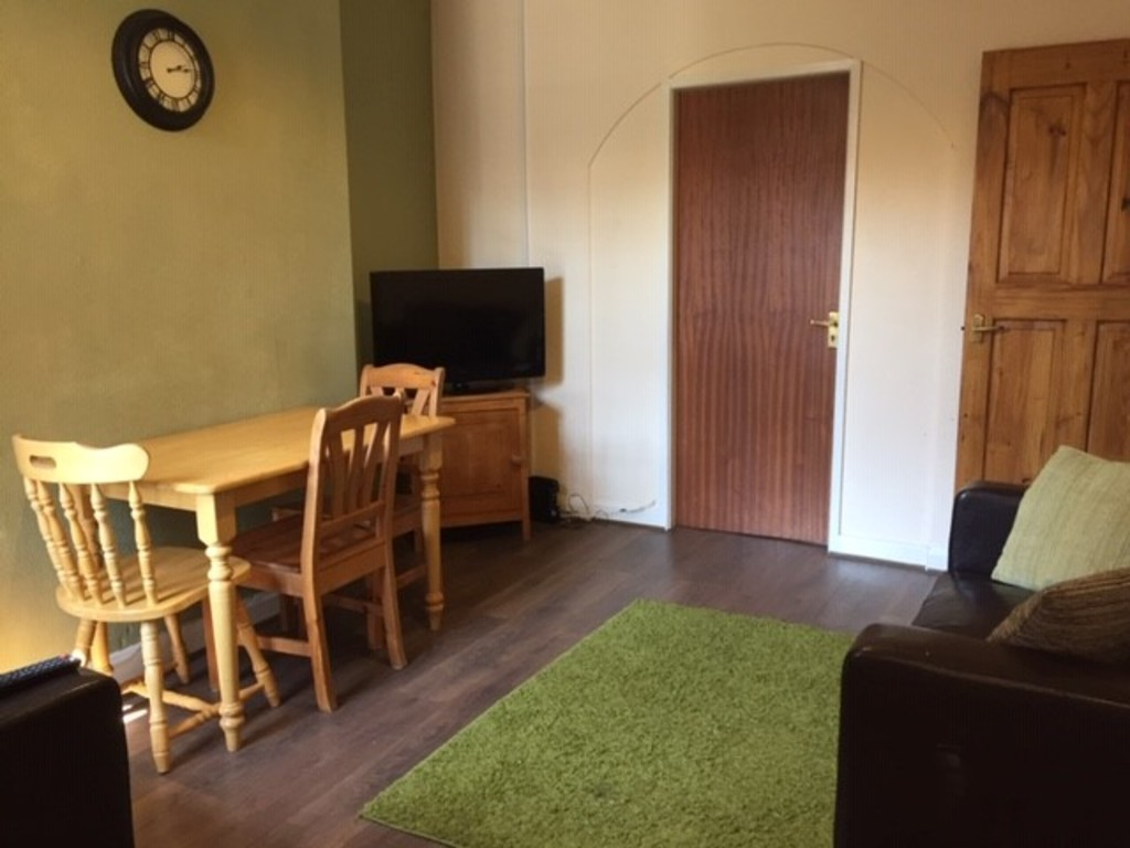 Student property on Stanley Street, Haxby Road - image 01