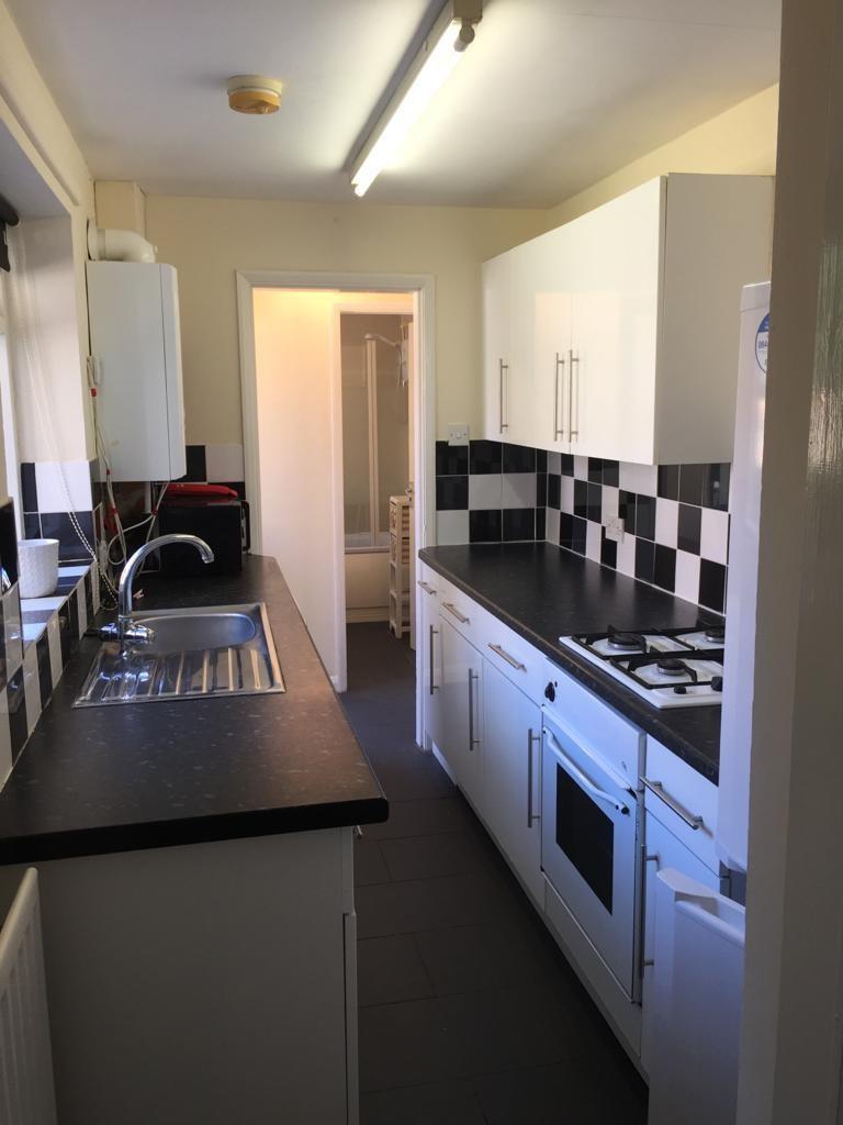 Student property on Wellington Street, Heslington Road - image 01