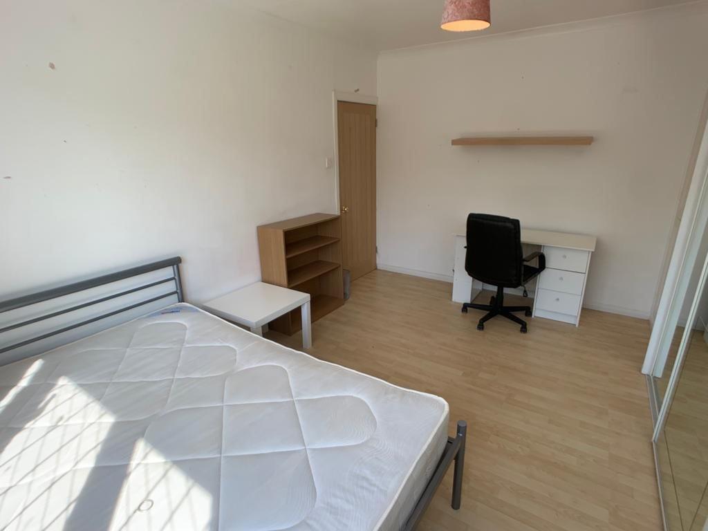 Student housing on Thief Lane, Hull Road - image 17