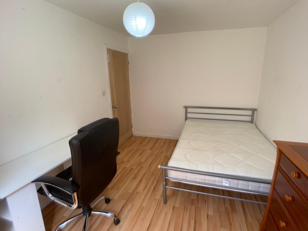 Student accommodation on Thief Lane, Hull Road - image 02