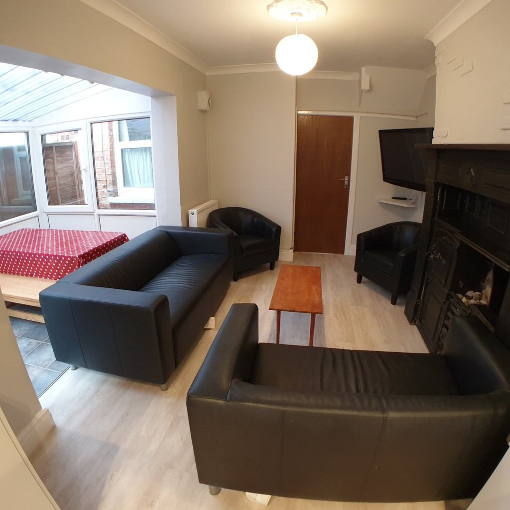 Student property on Haxby Road, The Groves - image 03