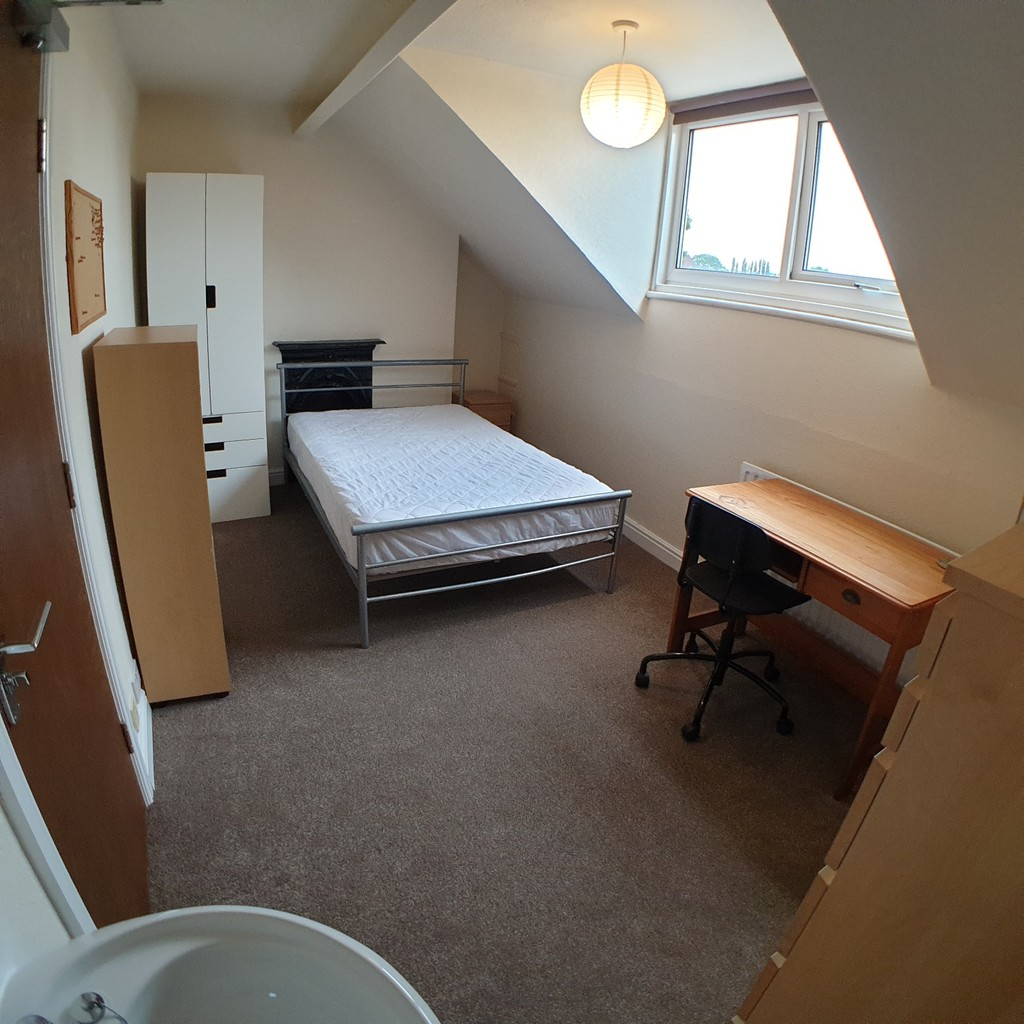 Student property on Haxby Road, The Groves - image 07