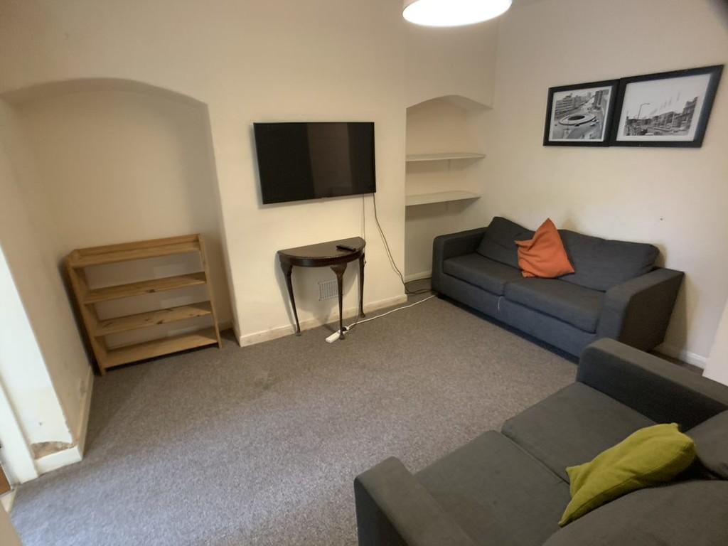Student housing on Newborough Street, Burton Stone Lane - image 05