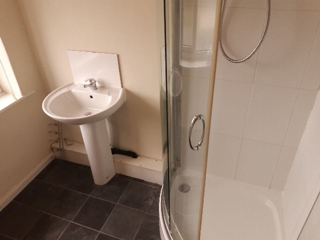 Student accommodation on Bad Bargain Lane, Tang Hall - image 09