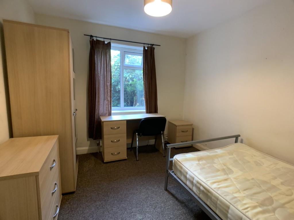 Student accommodation on Bad Bargain Lane, Tang Hall - image 04