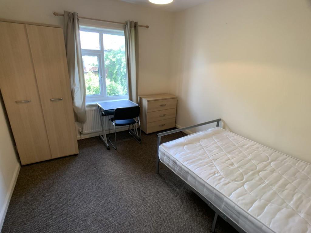 Student house on Bad Bargain Lane, Tang Hall - image 06