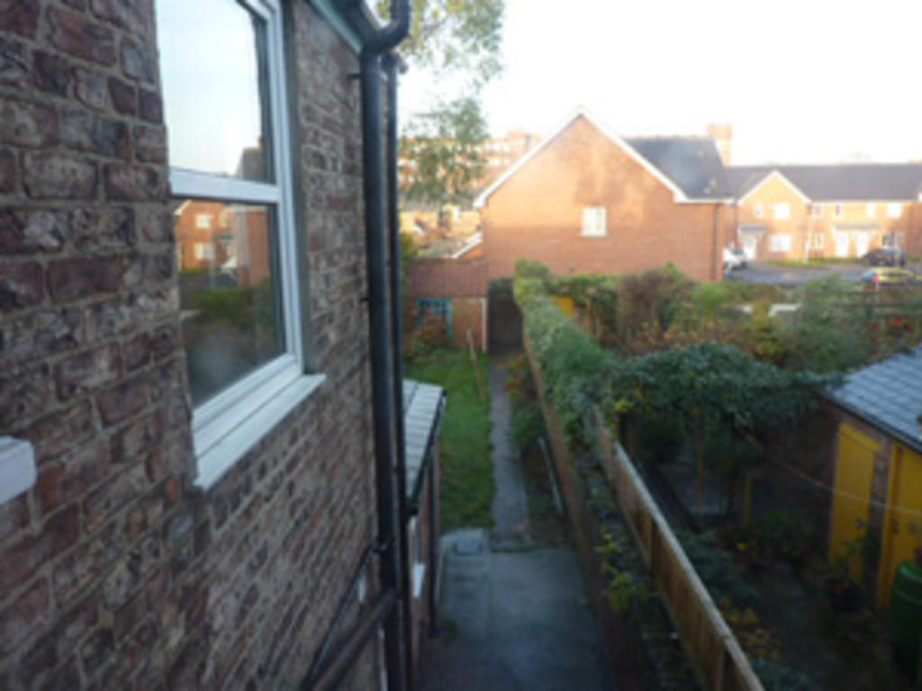 Student property on Vyner Street, Haxby Road - image 01