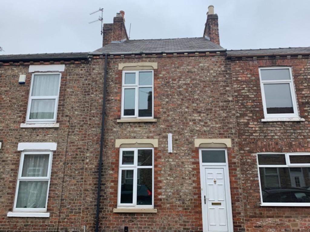 Student property on Upper Newborough Street, Burton Stone Lane - image 07