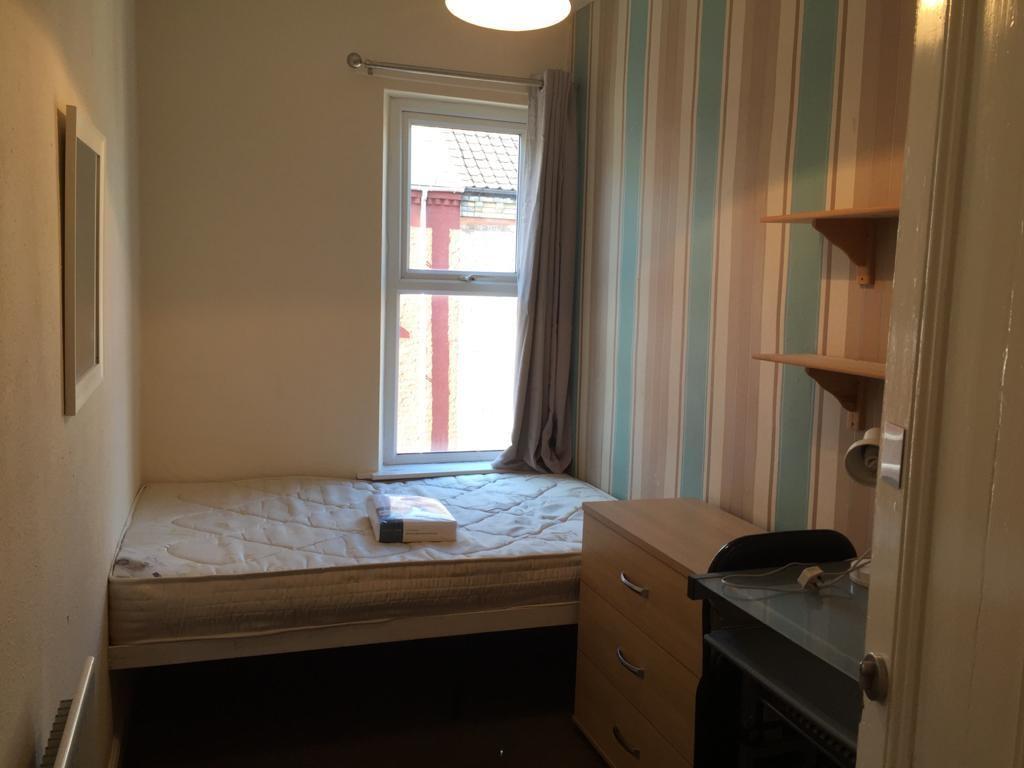 Student house on Wellington Street, Heslington Road - image 06