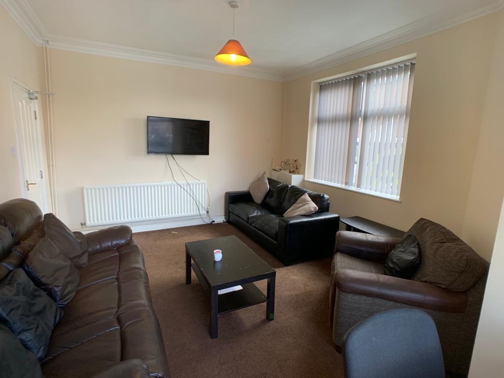 Student accommodation on Burton Stone Lane, Clifton - image 02