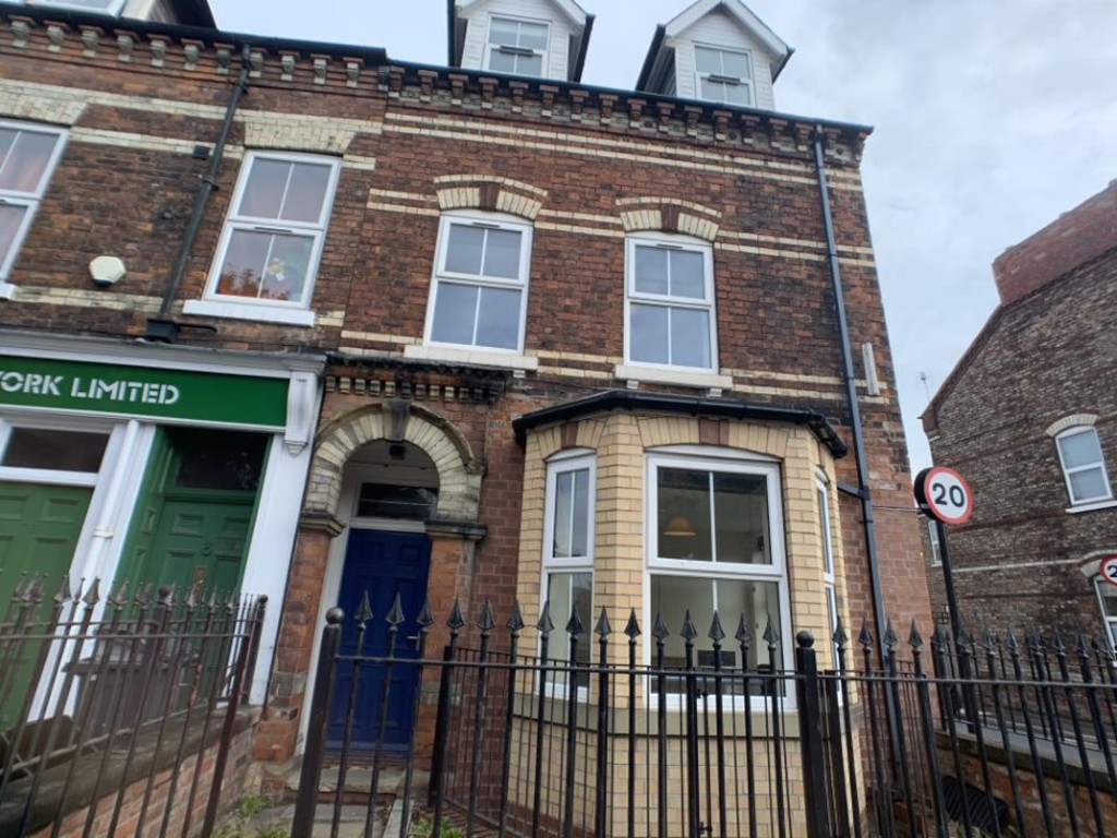 Student property on Lawrence Street, Fishergate - image 01