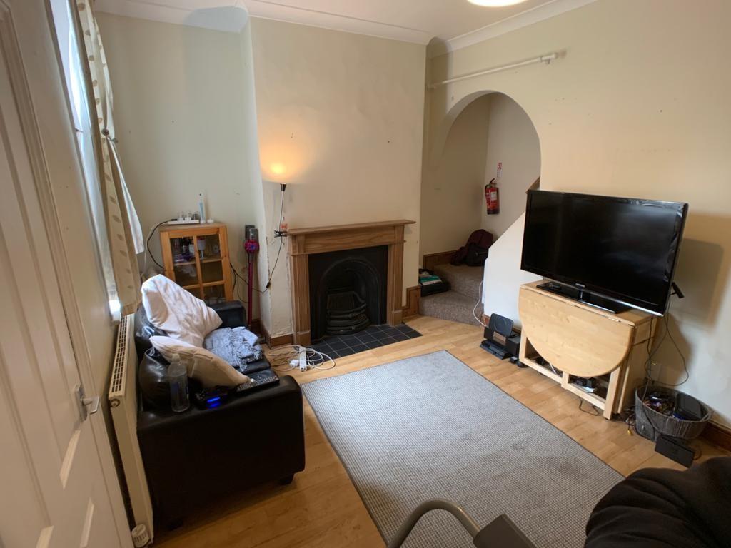 Student accommodation on Nunthorpe Road, South Bank - image 02