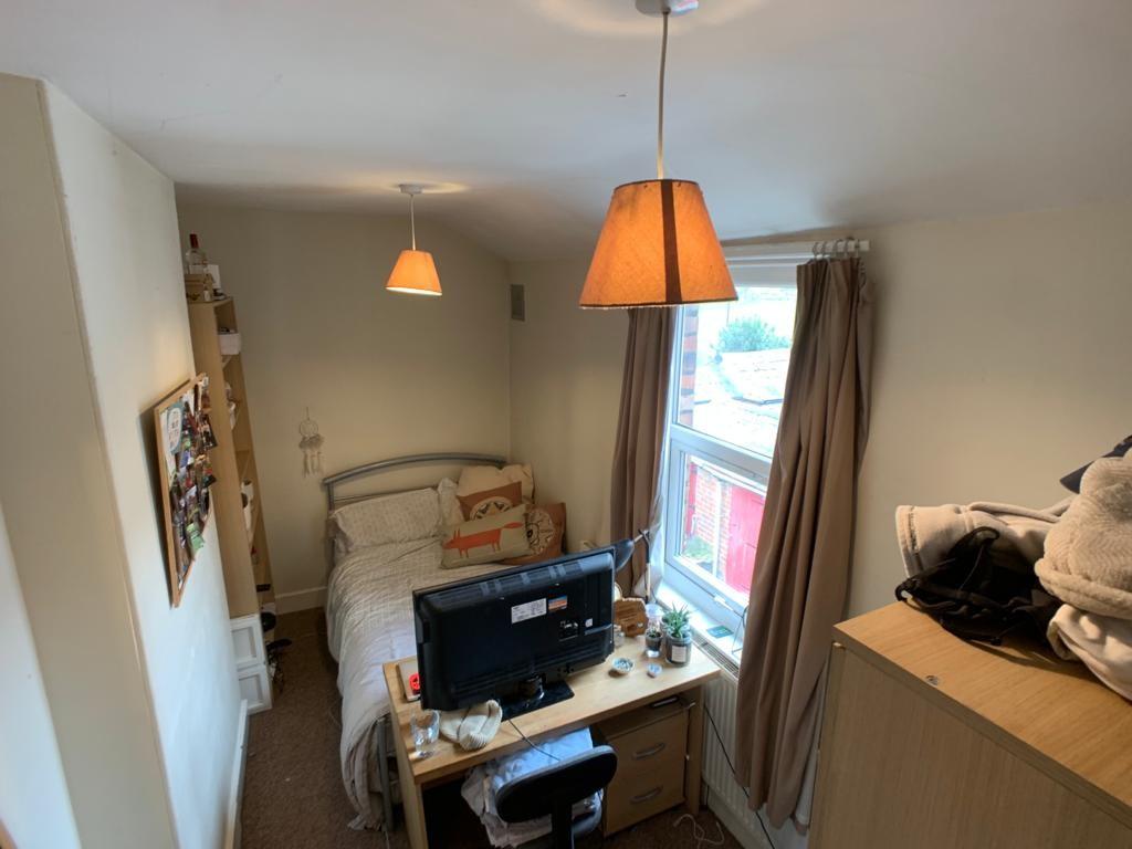 Student accommodation on Nunthorpe Road, South Bank - image 04