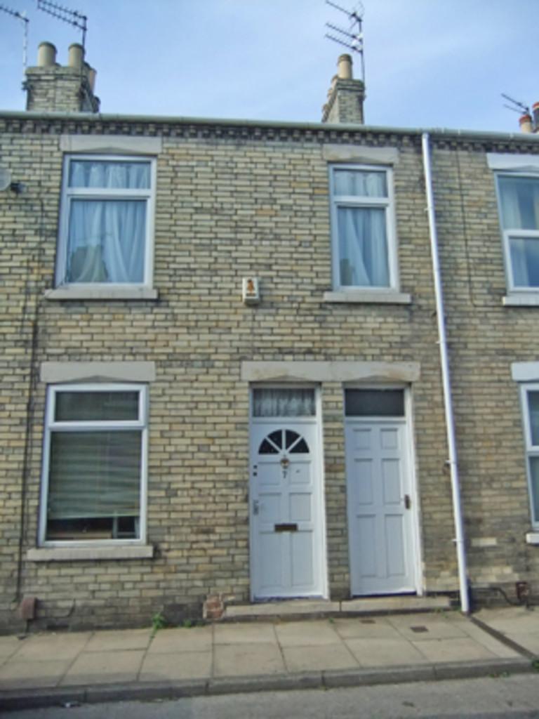 Student property on Eldon Terrace, The Groves - image 01