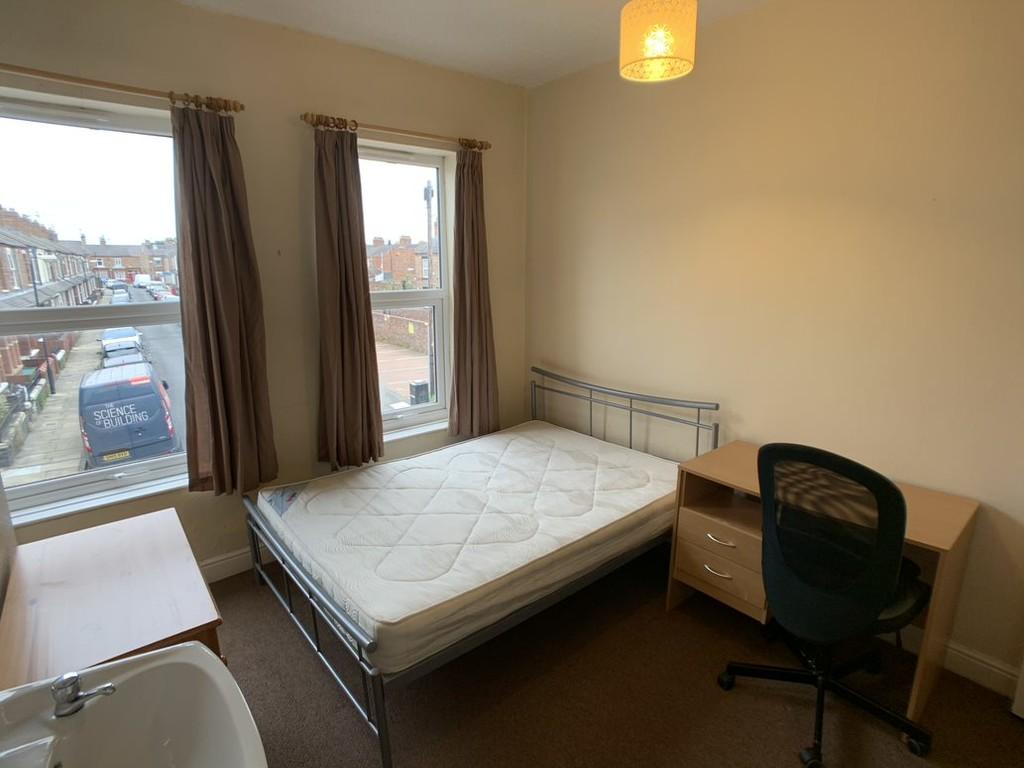 Student accommodation on Glencoe Street, Burton Stone Lane - image 02