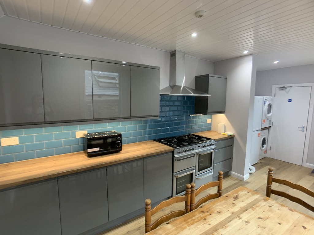 Student property on East Parade, Heworth - image 01