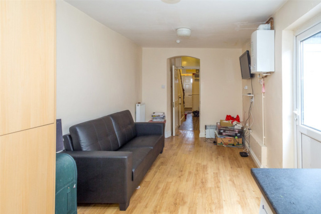 Student accommodation on Southlands Road, South Bank - image 02
