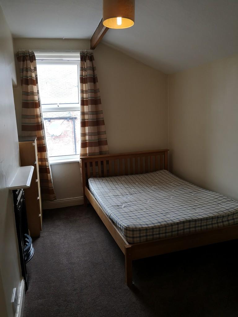 Student housing on Grosvenor Terrace, Bootham - image 05