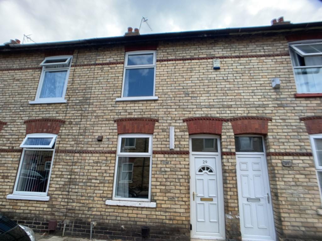 Student property on Horner Street, Burton Stone Lane - image 07