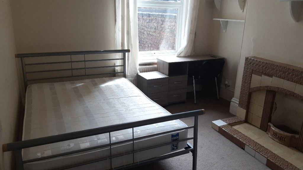 Student accommodation on East Parade, Heworth - image 04