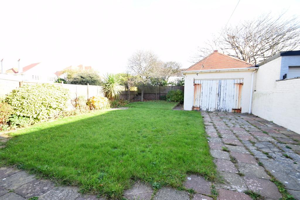 25 Lougher Gardens, Porthcawl, Bridgend County Borough, CF36 3BJ