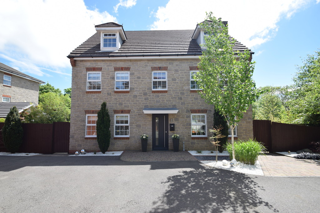 An Immaculate, Imposing, 5 Bed Property Nestled Off A Private Driveway, Bryn Dryslwyn, Broadlands, Bridgend