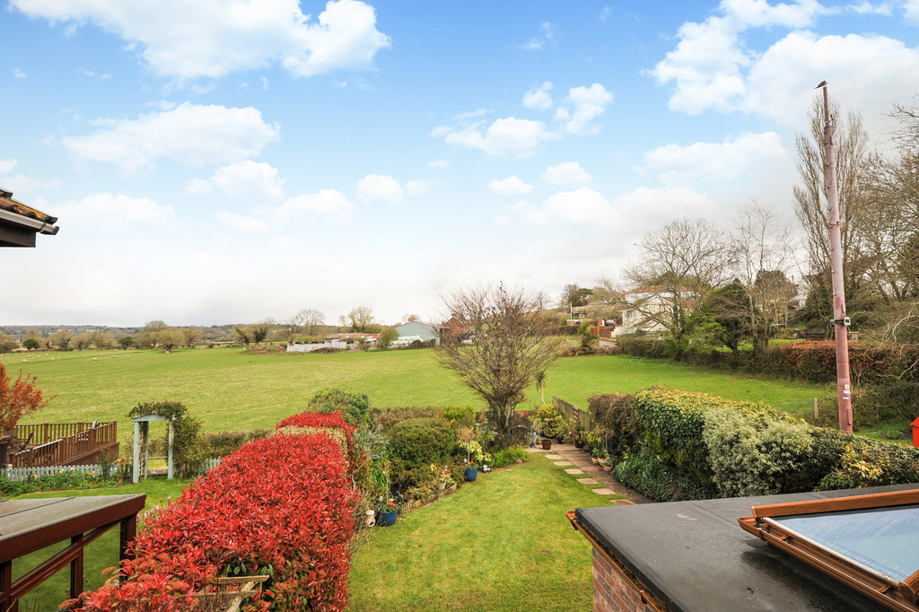 Lowdales, 1 Meadowview Court, Sully, Penarth, Vale of Glamorgan, CF64 5AY