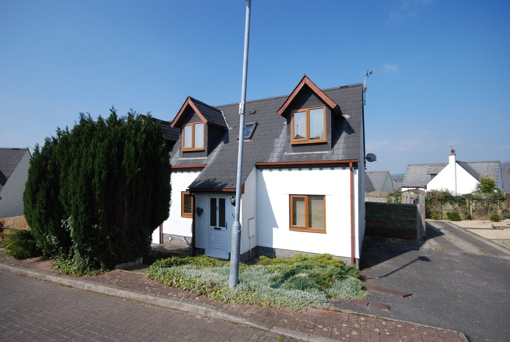 A Well Presented 2 Bedroom Semi Detached Property, Hillside Drive, Cowbridge