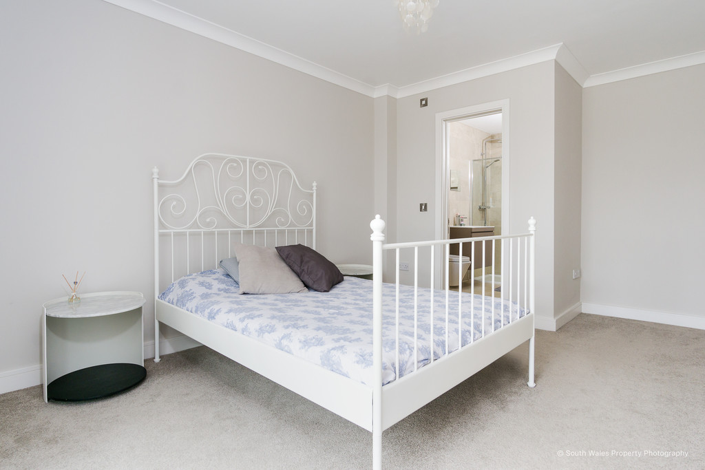Peartree House, Penyturnpike Road, Dinas Powys, Vale of Glamorgan. CF64 4HG