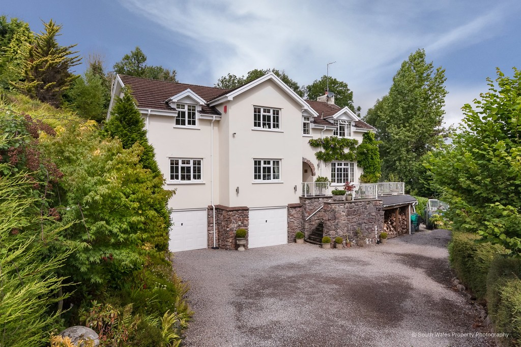 An Exceptional 5 Bed Home Set Within An Especially Generous Plot Of Approx. 1.2 Acres, Graig Penllyn, Vale Of Glamorgan