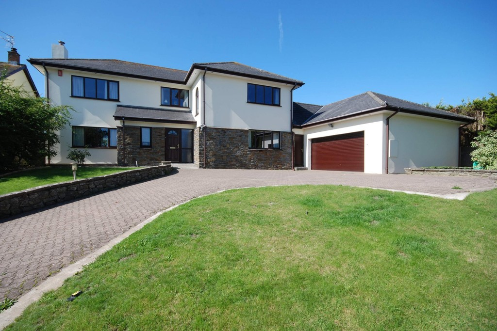 A Sizeable 4 Bedroom Family Home Looking Out Over Farmland, Sigingstone, Near Cowbridge