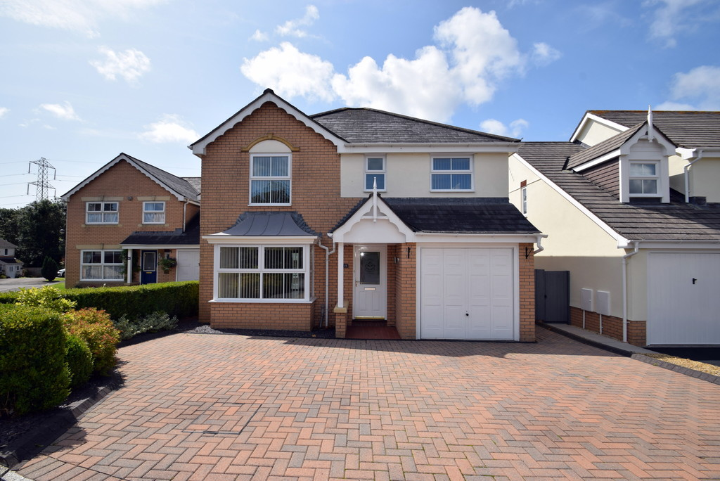Four Bedroom Detached Property Offering Spacious Accommodation Situated In The Sought After Development Of Broadlands, Bridgend