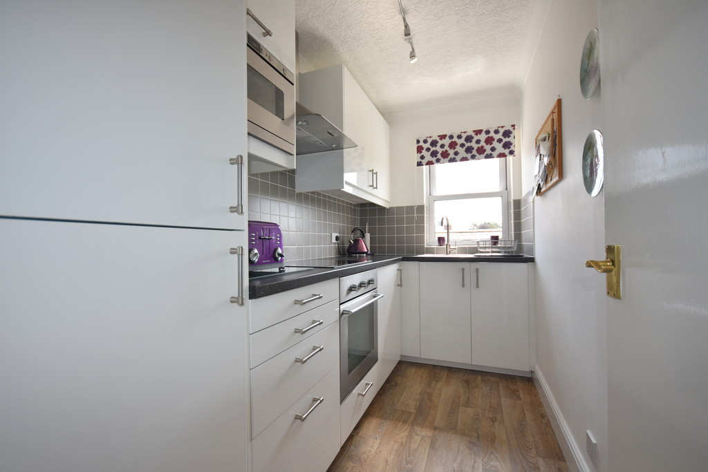 Flat 6, 31 Plymouth Road, Penarth, Vale of Glamorgan, CF64 3DA