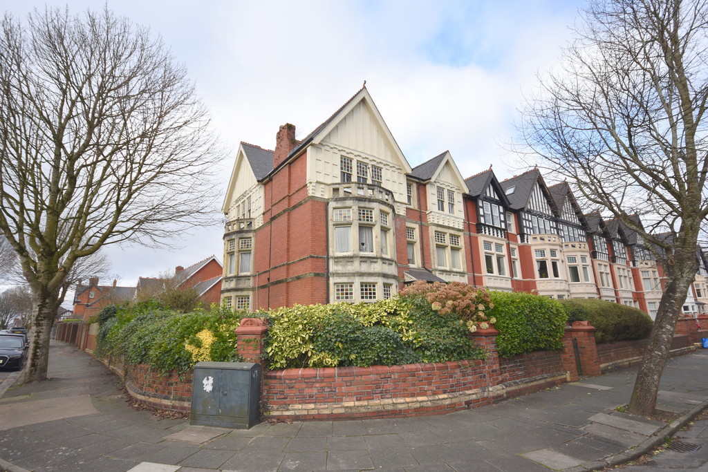 An 8 Bedroom Victorian Home Situated In A Highly Desirable Part Of Penarth. In Need Of Complete Modernisation And Offering Great Potential For Renovation/Conversion