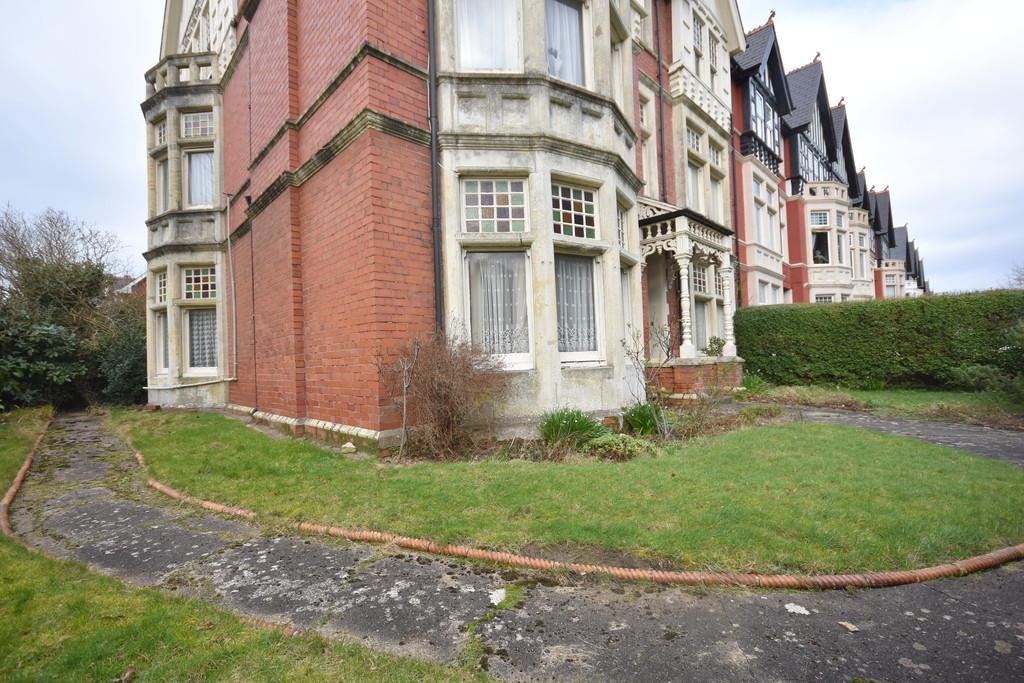 21 Victoria Square, Penarth, CF64 3EJ