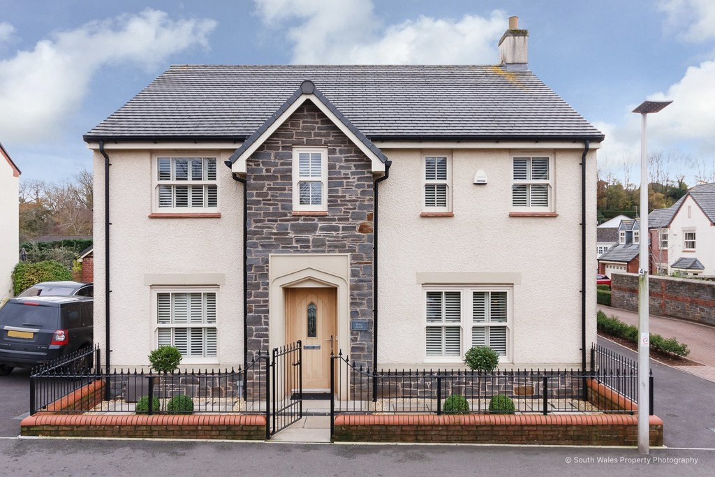 A Simply Stunning, 4 Bedroom Family Home A Level Walk From Cowbridge Town, Vale Of Glamorgan