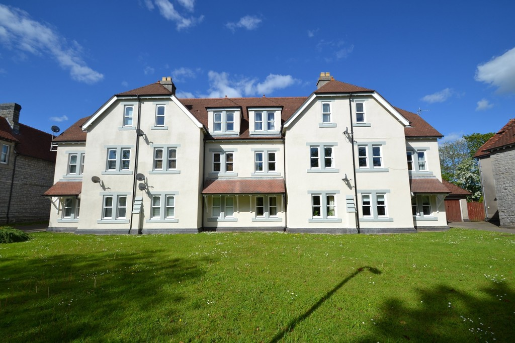 A First Floor, 2 Bedroom Apartment Located In A Sought-After Location Within Walking Distance From Bridgend Town Centre. Ideal For First Time Buyers.