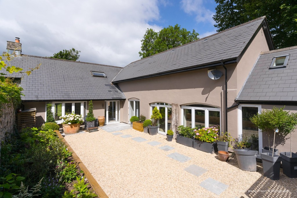 A Unique 4 Bedroom Family Home With Stunning, Contemporary Accommodation, Bonvilston, Vale Of Glamorgan