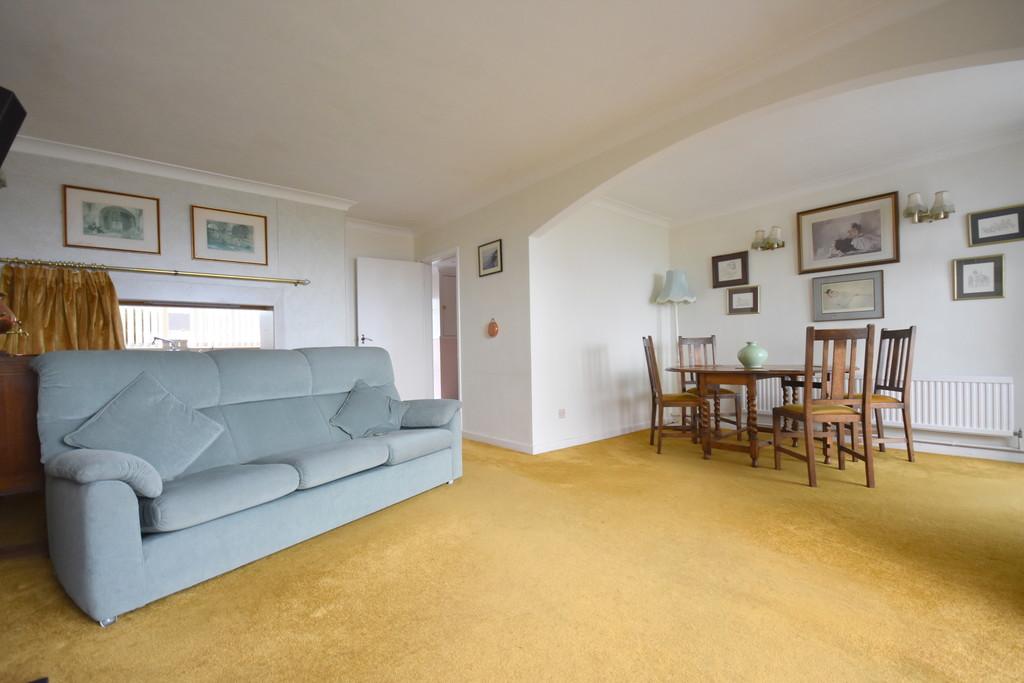 14 Uppercliff Close, Penarth, Vale of Glamorgan, CF64 1BE