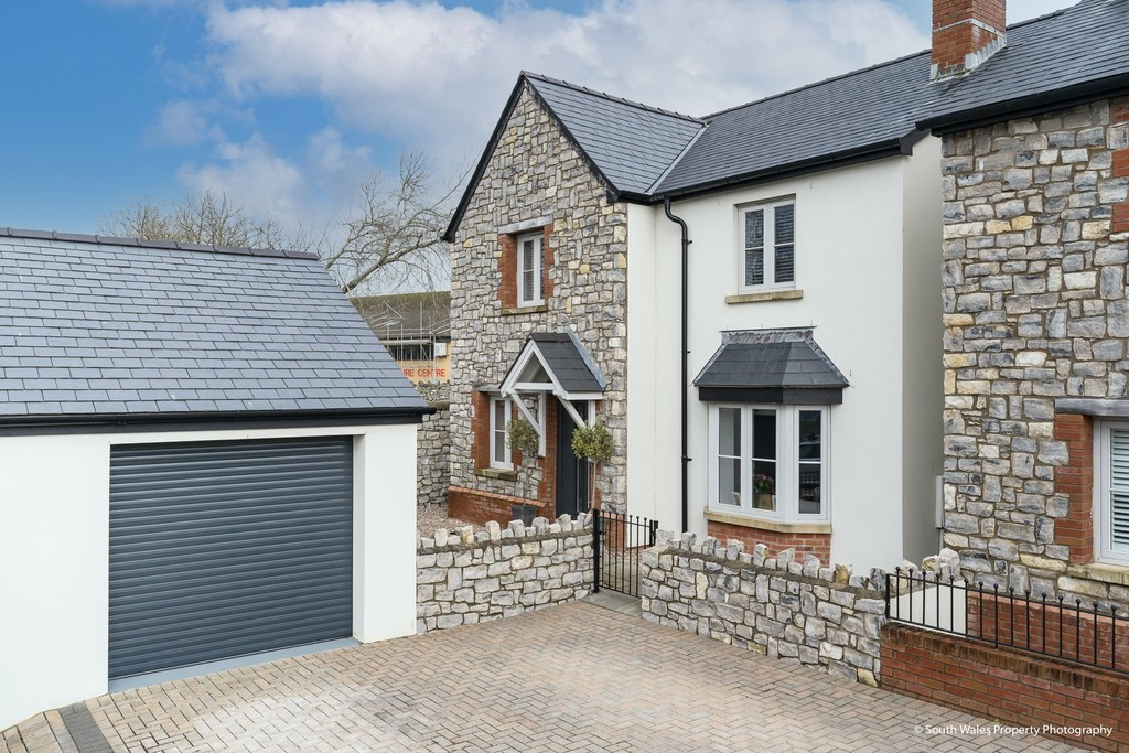 An Exemplary, 4 Bedroom Modern Family Home To The Heart Of Cowbridge Town, Vale Of Glamorgan