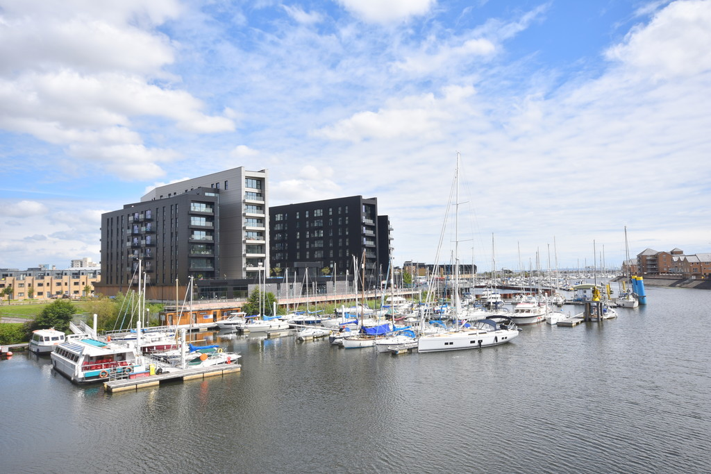 A One Bedroom First Floor Apartment Located In The Highly Desirable Bayscape Development, Watkiss Way, Cardiff