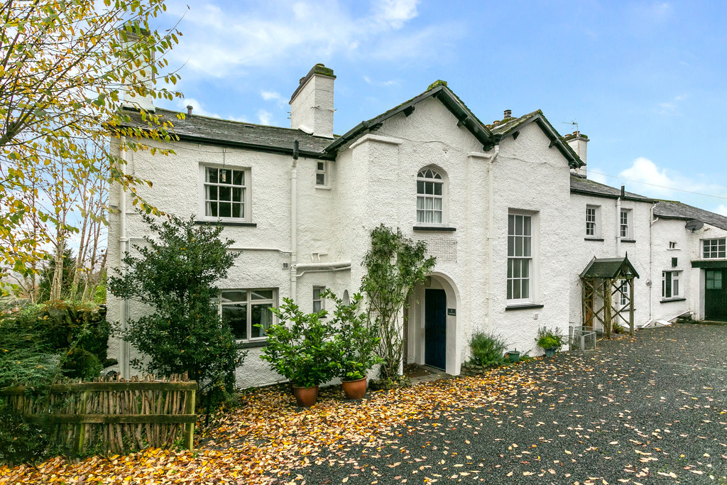 Red Screes, 4 Lowfield, Old Lake Road, Ambleside, LA22 0DH