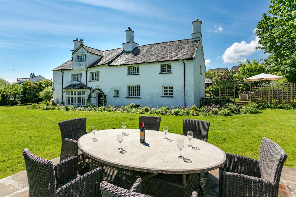 Collinfield Manor, Collin Road, Kendal, Cumbria, LA9 5LH