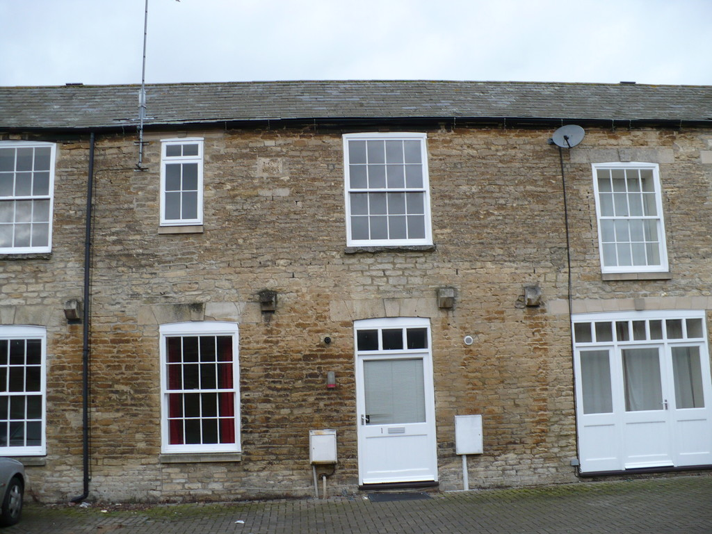 Kings Arms Court, Thrapston