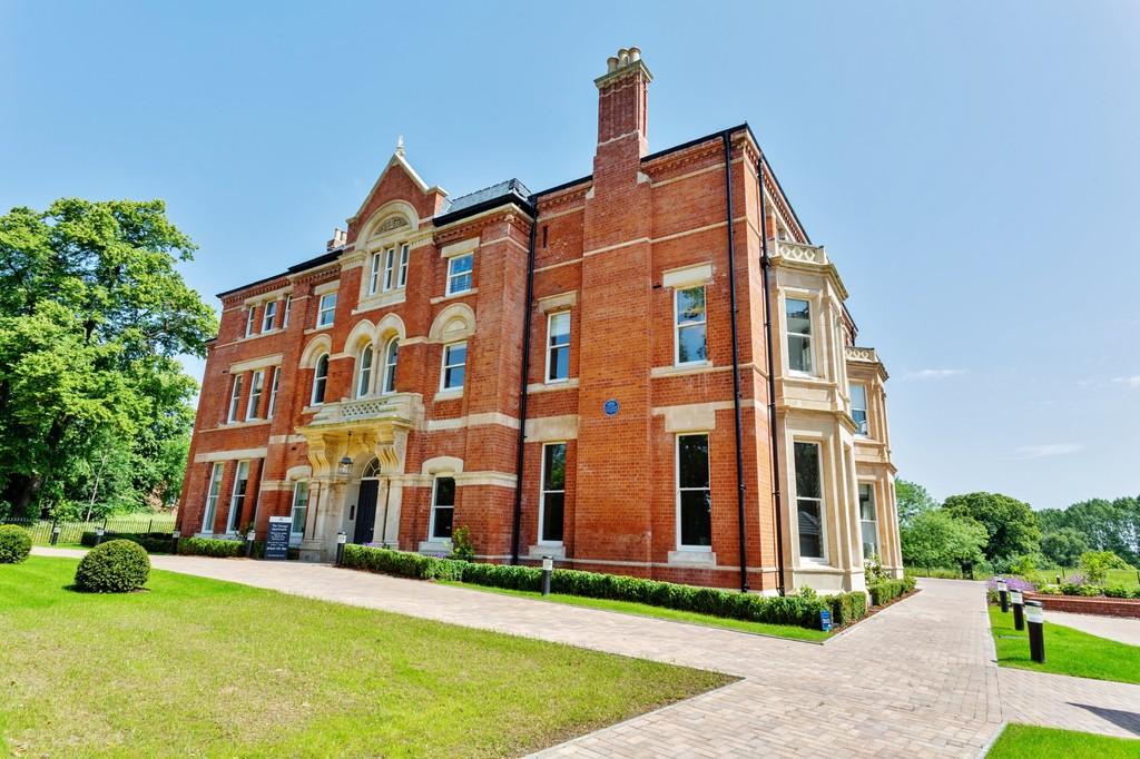 2 bedrooms  Apartment - 'The Grange', BINLEY, COVENTRY CV3